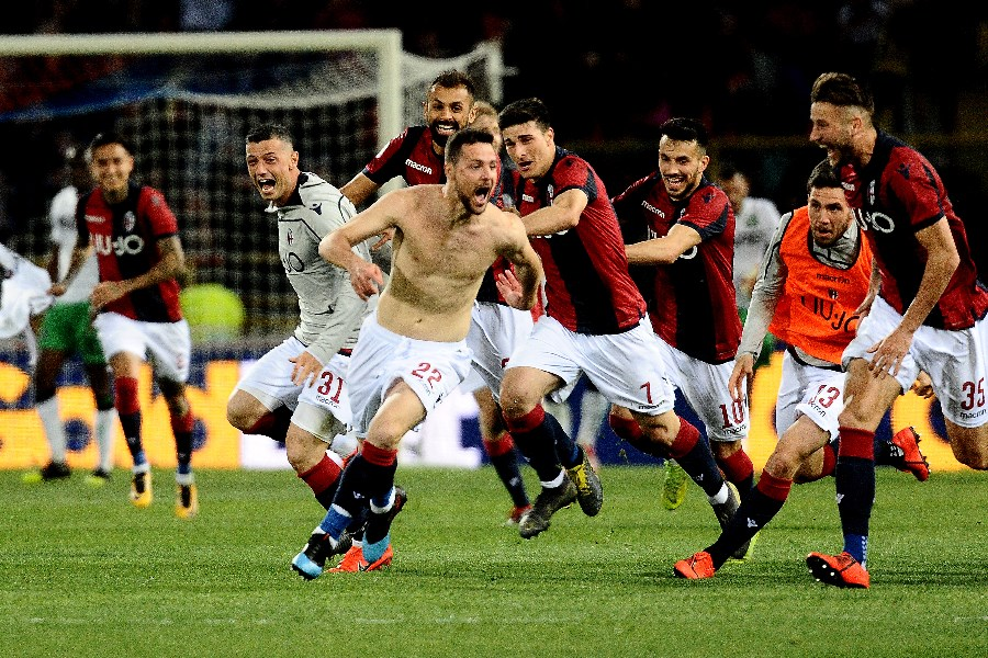 Bologna celebrate a goal against Sassuolo on 31 March 2019. (Getty Images)
