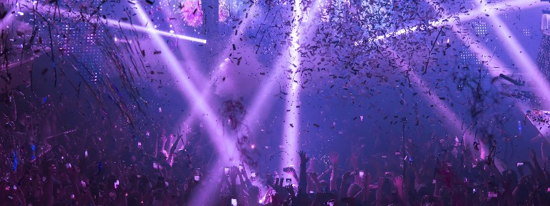 Nightclub in Vegas with confetti