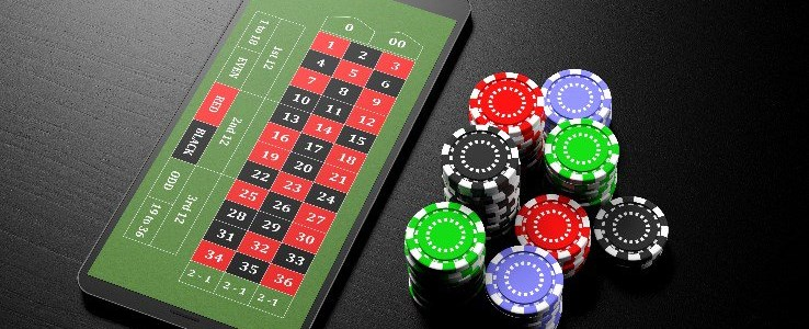 Mobile roulette game with chips on the side