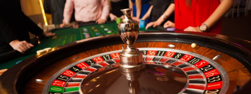 Roulette wheel with friends using deposit bonus