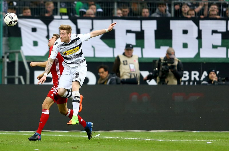 Borussia Mönchengladbach in action against Bayern Munich at Borussia Park. (Getty Images)