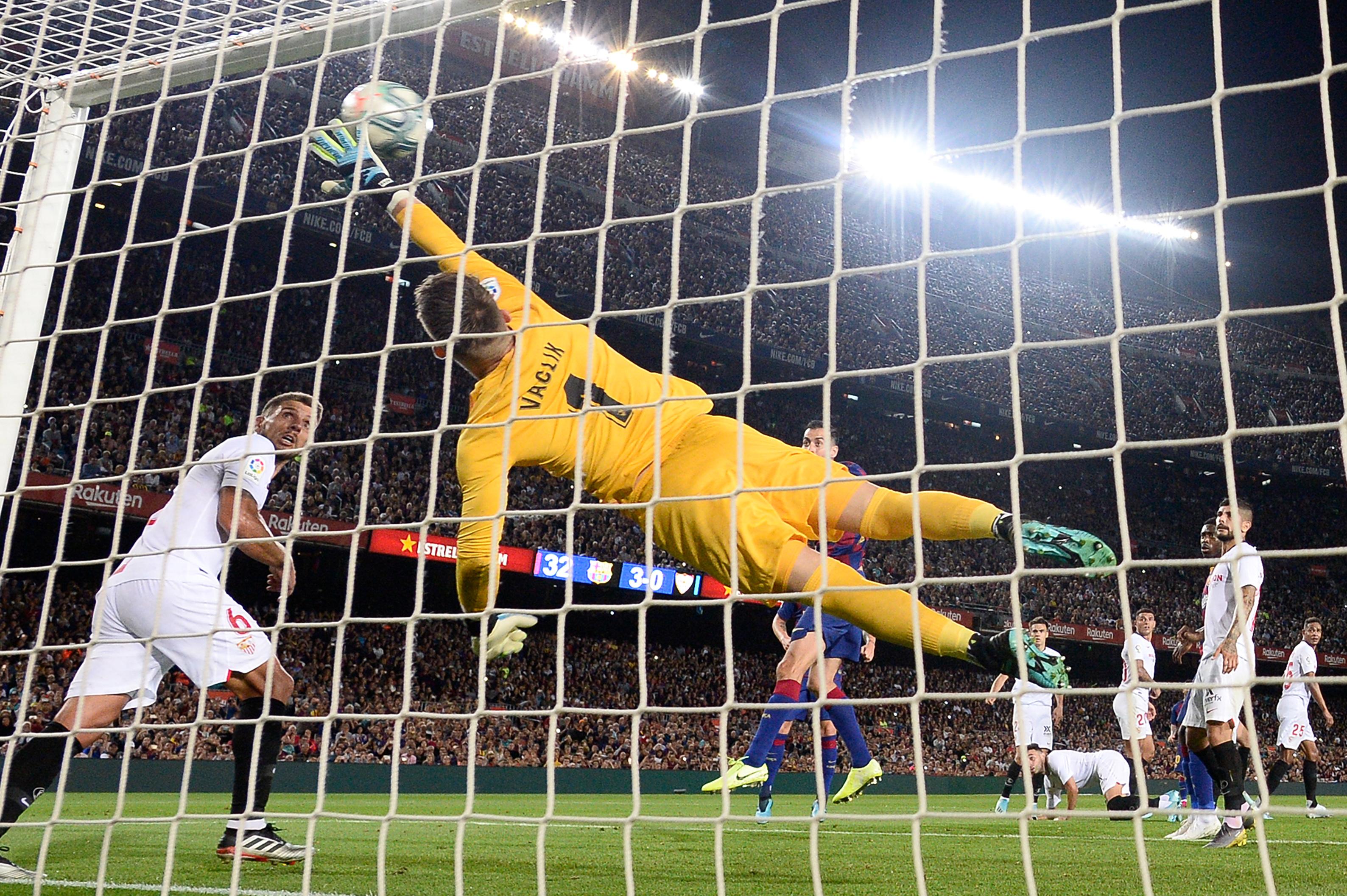 Barcelona score against sevilla