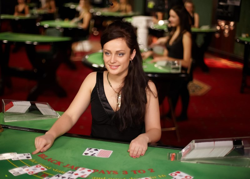 Play Live Dealer Casino Games
