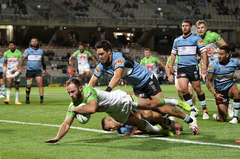 Canberra Raiders vs Cronulla Sharks Betting Tips, Predictions & Odds - Raiders to pile on the points
